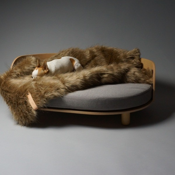 Durable designer luxurious dog sofa couch wooden frame 4