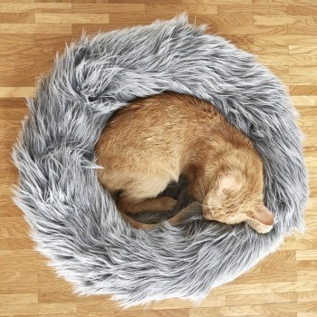Faux fur cat nest 4