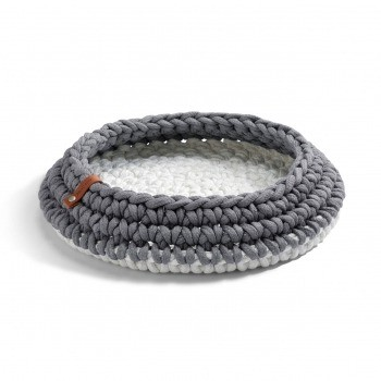 Grey crocheted cat basket Nido 1