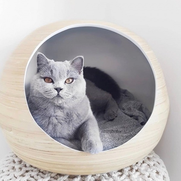 White bamboo cat ball