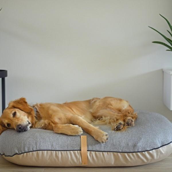 Two-toned dog cushion Fika Buff/Pewter