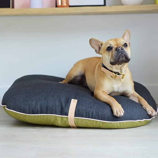 Two-toned dog cushion Fika Moss/Graphite