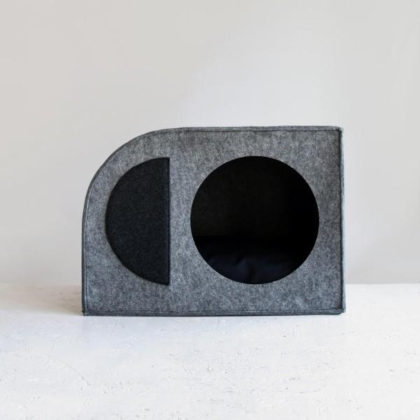 Modernist Bauhaus dog house 2