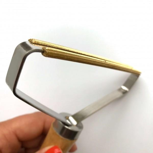 Copper pet hair remover BRUSH