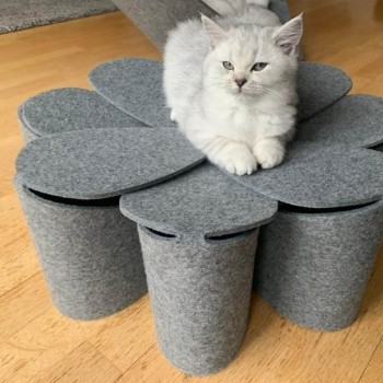 Fuzzplay felt cat bed FLOWER